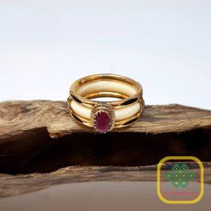Nhẫn ngà viền vàng 10K đính đá ruby – VB046